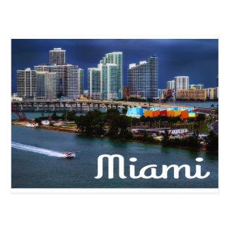 Horizonte y puerto de Miami la Florida en la noche Tarjeta Postal