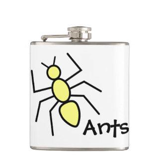 Hormiga amarilla linda del vector