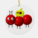 Hormiga linda con la manzana ornamento para reyes magos