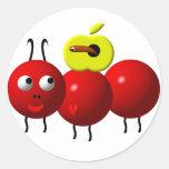 Hormiga linda con la manzana etiquetas