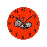 hormiga linda reloj de pared