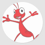 Hormiga roja feliz que salta para la alegría pegatinas redondas