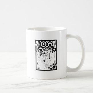 Hormigas y círculos - negro y blanco taza