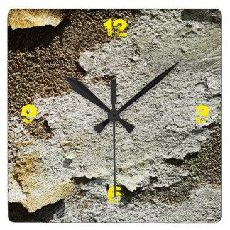 Hormigón blanco pelado personalizable reloj cuadrado