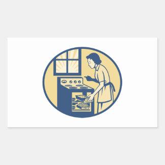 Hornada del panadero del ama de casa en la estufa rectangular altavoces