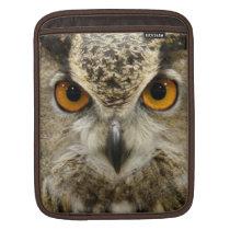 Horned Owl Eyes iPad Sleeve