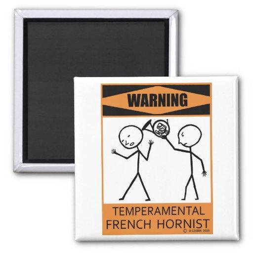 Hornist francés temperamental amonestador imán de frigorifico