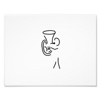 hornist tuba de blechblaeser músico que toca un in fotografía