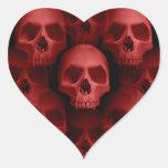Horror fanged gótico rojo de Halloween del cráneo Pegatina En Forma De Corazón