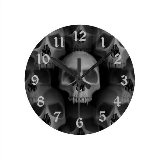 Horror fanged mal gótico de Halloween del cráneo Reloj De Pared