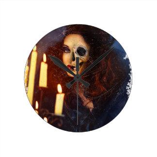 Horror Girl Candle Freak Creepy Horror Round Clock