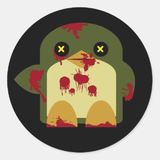 Horror horrible del zombi del pingüino de Kawaii Pegatina Redonda