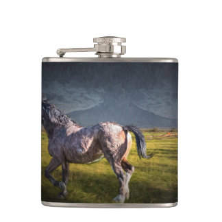 HORSE IN AFTERNOON SUN HIP FLASK