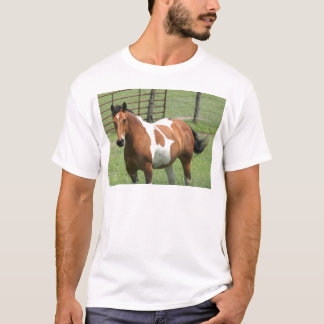 Horse, in pasture! T-Shirt
