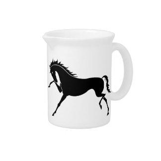 HORSE PITCHERS