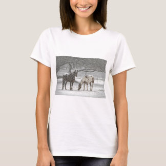 horse winter snow farm ranch animals snowy frozen T-Shirt