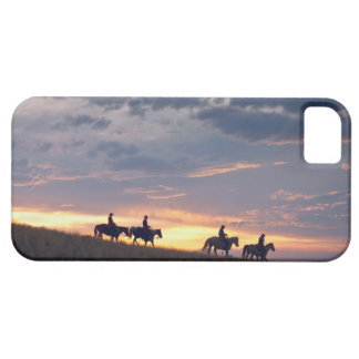 Horseback riders at sunset 2 iPhone SE/5/5s case