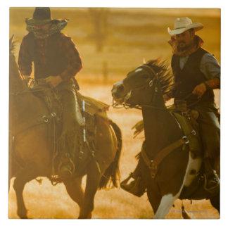 Horseback riders tile