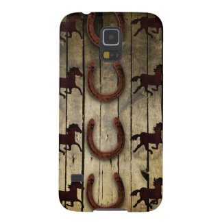 Horses and Horseshoes on Wood  backround Gifts Galaxy S5 Cover