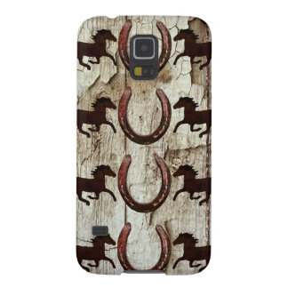 Horses Horseshoes on Barn Wood Cowboy Gifts Galaxy S5 Cover