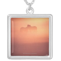 horses in dew silver plated necklace