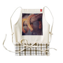 Horseshoes on Barn Wood Cowboy Country Western Zazzle HEART Apron