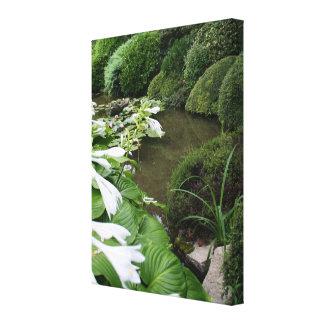 Hosta en un jardín del zen - impresión de la lona lienzo envuelto para galerías