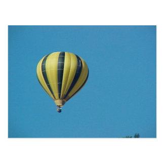 Hot air balloon in the Bernese Oberland Postcard