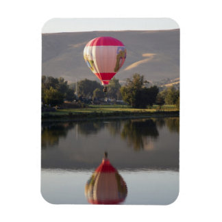 Hot air balloon over the Yakima River Magnet