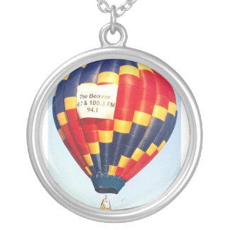 Hot air balloon round pendant necklace