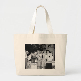 Hot Business: 1940 Canvas Bags