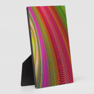 Hot curved stripes plaque
