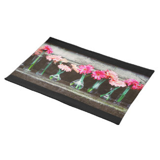 Hot Pink Daisy Cloth Placemat