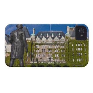 Hotel de la emperatriz y estatua de capitán James iPhone 4 Case-Mate Carcasas