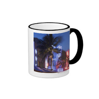 Hotel de neón en la noche, impulsión del océano, M Tazas De Café