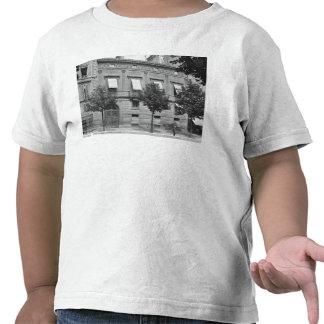 Hotel de Pourtales, siglo-temprano de fines del si Camiseta