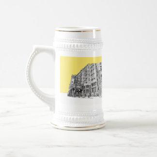Hotel de Thaye en amarillo Jarra De Cerveza