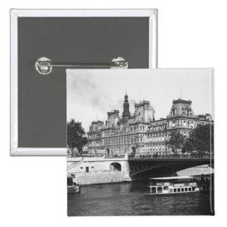 Hotel de Ville, 1882 Pin Cuadrado