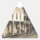 Hotel del pueblo fantasma del vintage pegatinas de trianguladas
