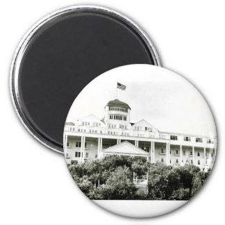 Hotel magnífico, isla de Mackinac, blanco y negro Imán Redondo 5 Cm