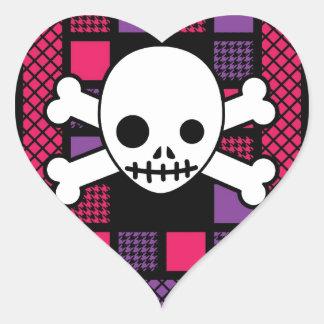 Houndstooth acolchado y cráneos pegatina en forma de corazón