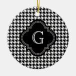 Houndstooth blanco negro clásico con el monograma ornamento de reyes magos
