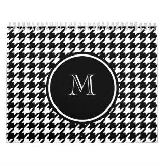 Houndstooth blanco y negro su monograma calendarios de pared