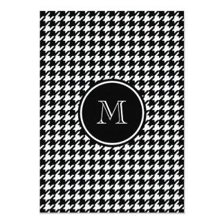 Houndstooth blanco y negro su monograma invitación 12,7 x 17,8 cm