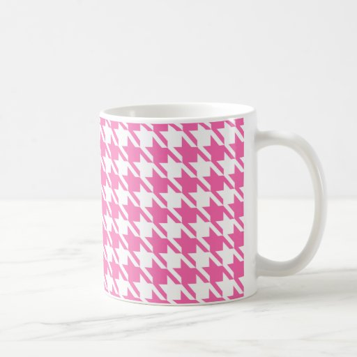 Houndstooth Checks Pattern in Pink and White Mugs