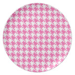 Houndstooth Checks Pattern in Pink and White Plates