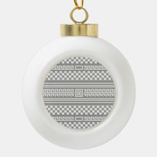 Houndstooth gris y blanco con espirales adorno de cerámica en forma de bola