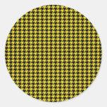 Houndstooth negro en amarillo pegatinas redondas
