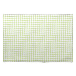 Houndstooth pattern - girly green place mat