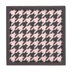 Houndstooth seamless pastel pink and black pattern premium jewelry box